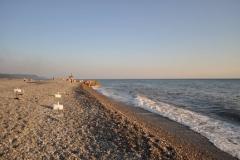 Пляжи Лазаревского широкие галечные