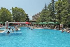 Бургас открытый бассейн