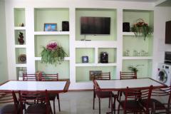 ГД Елена  Джубга - большой столовый зал в кухне