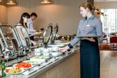 Завтрак шведский стол в отеле Меркюр