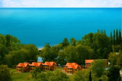 Озеро Дивное на берегу моря