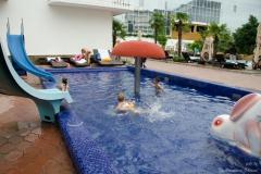 Детский бассейн в Прометее